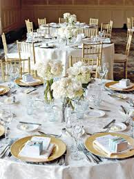 round reception table decorating tips