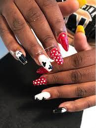 Mickey Mouse and Minnie Mouse nail art nail design ideas cool nail art  design ideas Disney world Disney land @get…   Minnie mouse nails, Cool nail  art, Nail designs