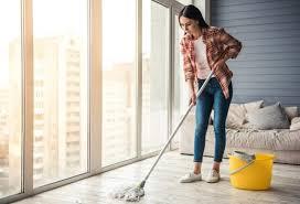 Für diese schicht kommen viele verschiedene materialien in betracht, wie zum beispiel parkett, teppichboden oder vinylboden. Linoleum Reinigen Und Pflegen Putzen De