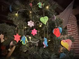Weihnachtsbaum Anhänger Aus Salzteig Kinderbastelaktion