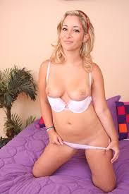 Images chaudes XXX Blonde babe Miss Cloe craves for black cock to.