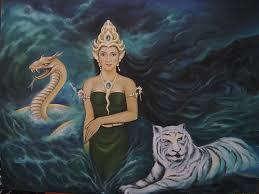 Memang gelap gulita, tidak ada  catatan sejarah tentang kapan mulainya kisah Nyai Ratu Kidul tersebut muncul. Beberapa analisis menyatakan bahwa kisah Nyai Ratu Kidul sengaja dimunculkan pada jaman ketika Mataram telah kehilangan kekuasaannya terhadap Laut Utara Jawa yang dikuasai VOC.