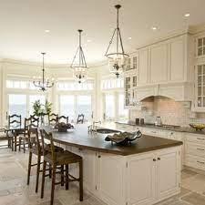 75 Beautiful Kitchen With Limestone Backsplash Pictures Ideas April 2021 Houzz