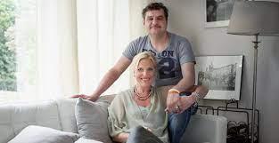 Frank lammers mag een nieuwe prestatie bijschrijven op zijn erelijstje: Frank Lammers En Eva Posthuma De Boer