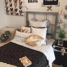 Black + Gold | dormify.com | DORM TOURS | Gold bedroom decor, Gold ...