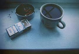 نتیجه تصویری برای عکس لیوان چای شکسته غمگین