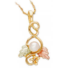 10k black hills gold pendant with pearl