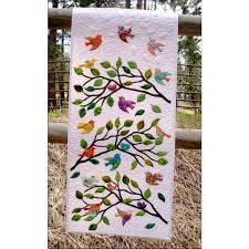 Birds of a Feather Wall Hanging Pattern |AccuQuilt| &  Adamdwight.com