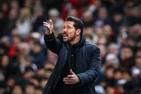 Nach Ballwurf-Affäre: Atletico-Trainer Diego Simeone für drei Spiele  gesperrt - Sport - Tagesspiegel