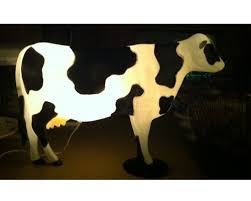 Vintage plastic cow lawn ornament, lights up. Just found this on a recent  picking trip, LOVE it!