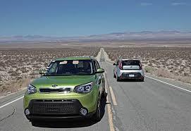 Инженеры kia не ищут легких путей тестирование автомобилей в  Трасса для проведения теста на износостойкость имитирует более 10 различных дорожных покрытий позволяя удостовериться в том что автомобилям не страшны