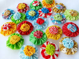 How to Make Fabric Yo-Yos: From Accessories to Flower Arrangements & fabric-yo-yos-hero.jpg Adamdwight.com