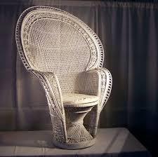 white wicker fan back chair