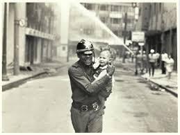 Resultado de imagem para IMAGENS DE BOMBEIROS COMB ATENDO INCENDIOS