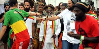 Bunny Wailer receives the affection of the public - Rototom Sunsplash