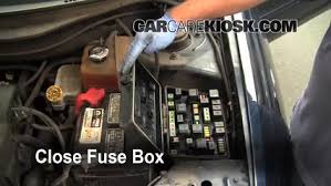 replace a fuse 2004 2008 chrysler pacifica 2006 chrysler 6 replace cover secure the cover and test component