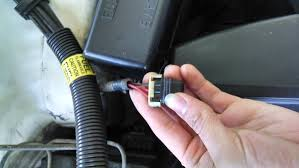 95 3 4 camaro wiring trouble diy forums im having trouble finding the location for this wire its in the front drivers side under the hood towards the fuse box its red black a purple and