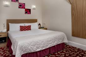 ... Greater London Hotel Bedrooms 16 83970 ...