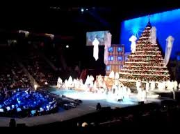 The Living Christmas Tree Knoxville Tennessee - YouTube