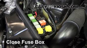 replace a fuse 2006 2012 mercedes benz r350 2010 mercedes benz 6 replace cover secure the cover and test component