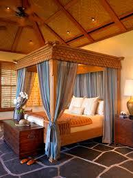 Erstaunlich Himmelbett Das Mit Blauen Vorhang Mit Einem Liebenswert