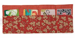 7 Free Small Quilting Projects - The Quilting Company & Create quick quilts that have all sorts of purposes, like this card wallet. Adamdwight.com