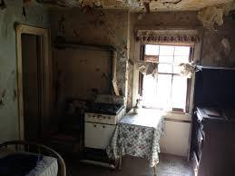 Small Old Apartment - Crappy studio apartments