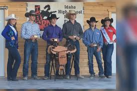 Pearson wins high school state bull riding title