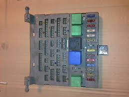 peugeot gti xs xe mi all s fuse box and relays peugeot 205 1 6 1 9 gti xs xe mi16 all 205 s fuse box and relays