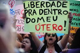 Resultado de imagem para Manifestantes fazem passeata no Rio pela legalização do aborto