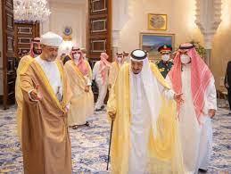السلطان هيثم والملك سلمان يجرون محادثات في نيوم خلال زيارة المملكة العربية  السعودية
