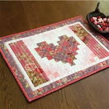TWO HEARTS Valentine FREE placemats pattern Designed and machine ... & The Two Hearts quilted placemat pattern makes 4 lovely settings to welcome  family and friends. The placemats are great free quilt patterns for  beginners. Adamdwight.com