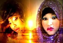 Daawo Naag Somali Ah Oo Sheegaysa Inay Saaxiib La Tahay Jinka | Qurbo.net - film