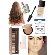 makeup beauty s to create an ariana grande look her everyday look is