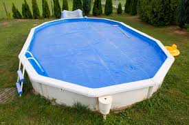 a standard winter cover is on this above ground pool th material is simple