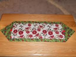 10 Minute Table Runner Pattern Extraordinary Tales Of A Needle And Thread THE 48 MINUTE TABLE RUNNER