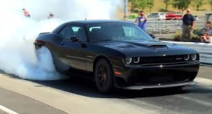 Here's A Challenger SRT Hellcat Burnout To Celebrate Official ...