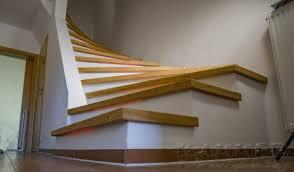 Beim treppen belegen werden einfach die alten. Renovieren Und Belegen Von Stufen Mit Massivdielen Und Led Beleuchtung Kammer Parkett Und Fussboden Design Ein Meisterbetrieb Aus Duisburg