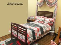western bedroom wall decor colors pony paisley bedding cowgirl ideas room for girls twin decorating best cowboy
