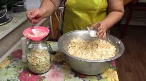 Бабушкин рецепт Квашеной капусты. - YouTube