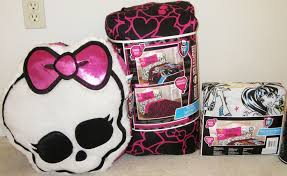 MONSTER HIGH COMFORTER BEDROOM SET~TWIN SHEETS, PLUSH PILLOW & TOTE ...