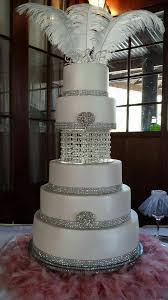 Pin by Myra Doyle on Mariage | Tiered wedding cake, Wedding cakes, Bling  wedding cakes