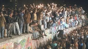 Berlin wall short summary