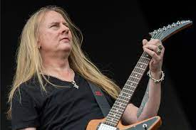 Eddie Van Halen Gifted Alice in Chains' Jerry Cantrell an Entire Garage  Full of Gear After Early Tour | MetalSucks