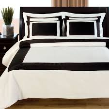 guest room black white and green space living hotel 300 thread count duvet set black white duvet covers linens n things