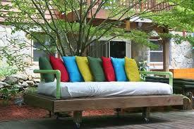 Tavoli Da Giardino In Pallet : Idee per arredare il giardino con i pallet