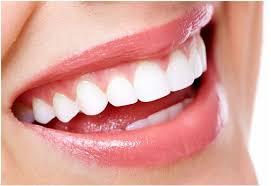 Tẩy  trắng răng cho bạn nụ cười tỏa sáng