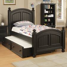 Cape Cod Wood Trundle Bed Design