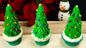 Christmas Tree Cupcakes: Christmas Cupcakes from Cookies Cupcakes and  Cardio - YouTube