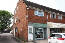 Thumbnail Flat To Rent In High Street, Frimley, Surrey
